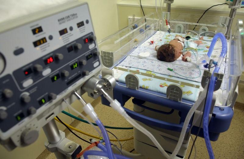 Показатель младенческой смертности в РФ снизился // Global Look Press