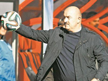 Тренер-вратарь – редкое явление в любой сборной // Global Look Press