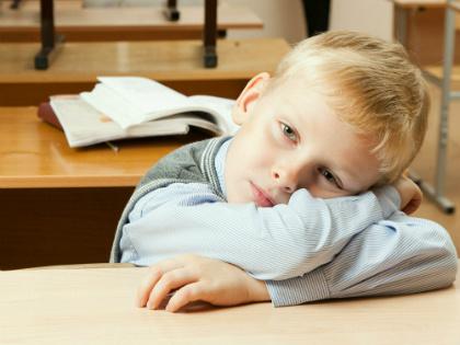 Детям приходится нелегко, ведь школьная программа сложная и требует постоянной работы // Global Look Press