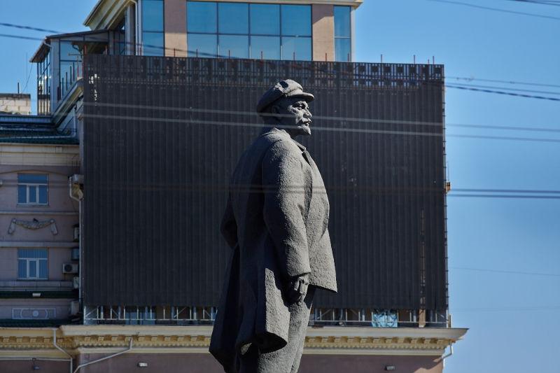 Еще один памятник Ильичу уничтожен на Украине // Pavlo Pakhomenko/Global Look Press