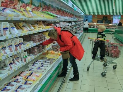 В среднем россияне потратят около 17 тысяч рублей на новогодний стол // Замир Усманов / Global Look Press