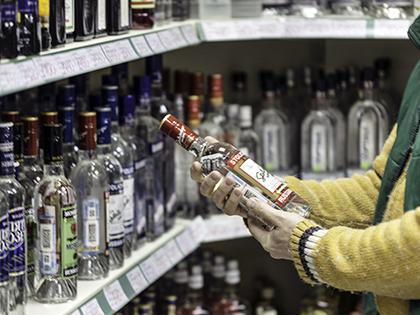 Цена на водку повысится на 5 рублей // Алексей Гынгазов / Global Look Press