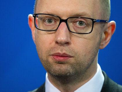 В интервью немецкому каналу ARD Арсений Яценюк заявил, что СССР вторгся на Украину и в Германию // Global Look