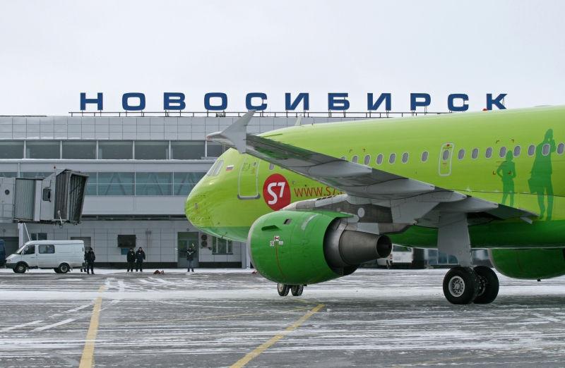 Самолет совершил вынужденную посадку в Новосибирске // Gleb Osokin/Global Look Press