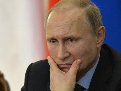 Рубль не так хорошо укрепляется, как рейтинг Путина // Global Look Press