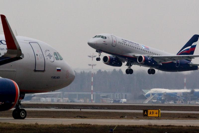Два самолета столкнулись крыльями в московском аэропорту // Global Look Press