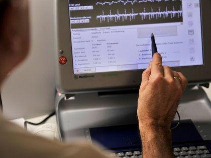 Водители ритма снижают риск инсульта, вовремя распознавая мерцательную аритмию // Global Look Press