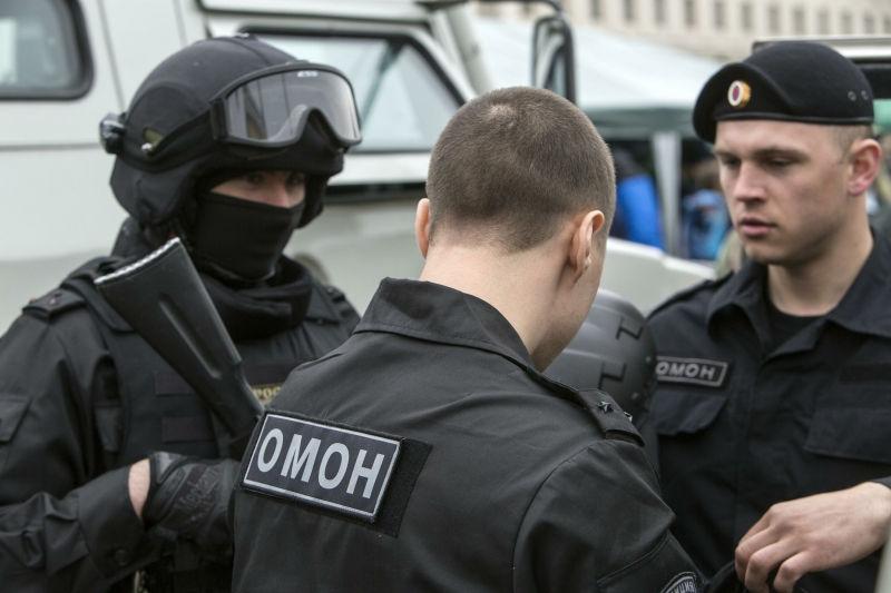 Полиция поищет свастику в магазинах перед 9 мая // Nikolay Gyngazov/Russian Look