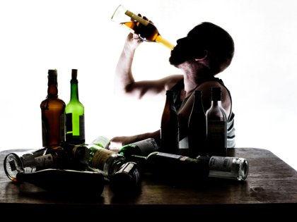 Спиртные напитки могут сделать полезными для здоровья после открытия китайских ученых // Global Look Press