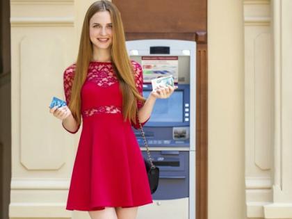Кешбэк-сервисы называют еще «скидочными», так как они обещают вернуть часть денег с покупки в онлайн-магазине // Global Look Press