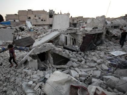 Последствия авиаударов по Алеппо  // Global Look Press