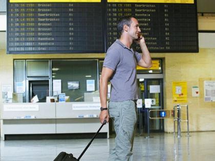 Мобильные телефоны могут вызывать бесплодие у мужчин // Global Look Press
