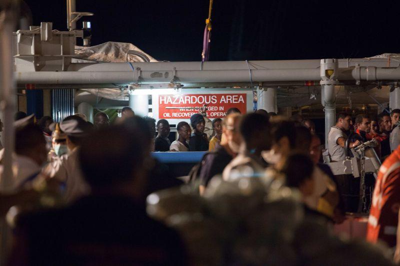 Мигранты продолжают погибать по пути из Ливии в Италию // Global Look Press