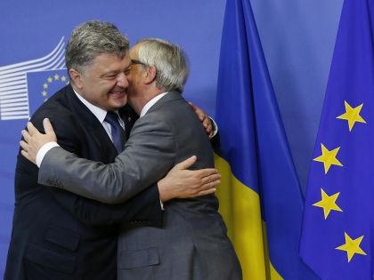 Президент Украины Петр Порошенко и глава Еврокомиссии Жан-Клод Юнкер // Global Look Press