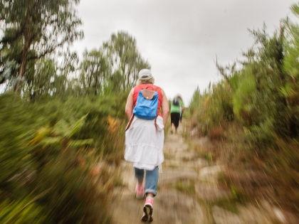 Ученые рекомендуют ходить пешком с разной скоростью ради похудения // Global Look Press