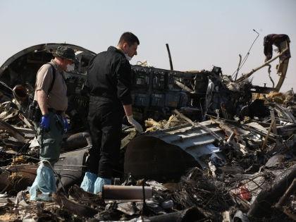 Появляется все больше свидетельств того, что A321 потерпел крушение из-за взрыва на борту // Global Look Press