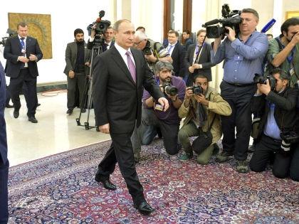 """Эксперты поставили диагноз """"странной"""" походке Путина // Sergey Guneev / Globall Look Press"""