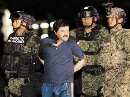 Коротышка во время задержания // Global Look Press