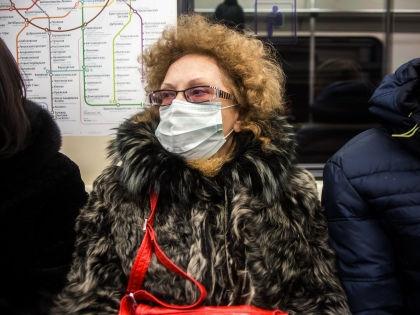 Россияне панически скупают защитные маски // Евгений Синицын / Global Look Press