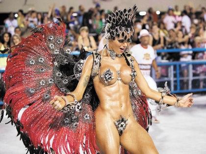 Бразильцы устроили карнавал во время эпидемии // Global Look Press