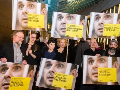 «Свобода слова – не преступление», – акция в поддержку Олега Сенцова // Global Look Press