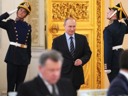Владимир Путин распорядился создать в РФ Нацгвардию, бойцы которой смогут стрелять без предупреждения // Global Look Press