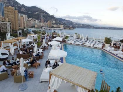 Большинство туристов всем видам размещения на отдыхе предпочитают курортные отели // Global Look Press