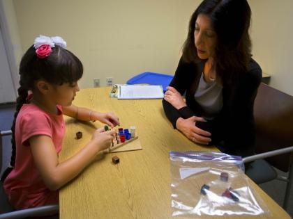 Почти у каждого из нас есть знакомые, которые растят ребенка с аутизмом // Global Look Press