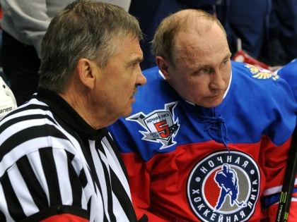 Владимир Путин забросил в ворота лишь одну шайбу // Kremlin pool / Global Look Press