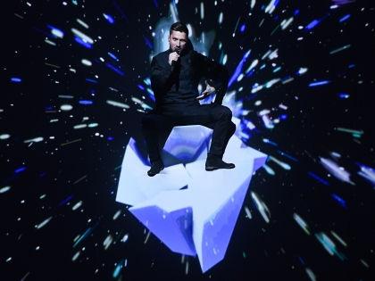 Сергей Лазарев во время выступления на Евровидении-2016 // Global Look Press