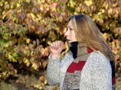 7 основных причин непрекращающегося кашля и способы борьбы с ними //  Rudolf / Global Look Press
