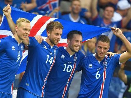Сборная Исландии по футболу сенсационно вышла в 1/4 финала Чемпионата Европы, выбив с турнира англичан // imago sportfotodienst / Global Look Press