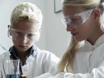 Суд оштрафовал знаменитый Политехнический музей «за организацию работы детского кружка «Научные лаборатории» без лицензии // Global Look Press