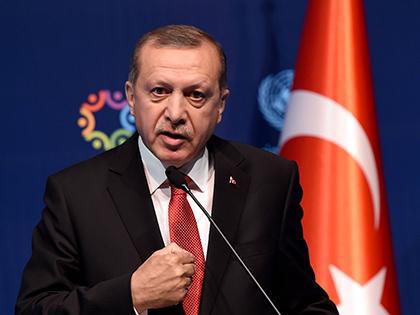 По сообщениям СМИ, президент Турции Тайип Эрдоган ищет убежища в Европе // Global Look Press