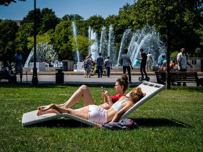 Стоит помнить о мерах предосторожности на случай жаркого дня // Global Look Press