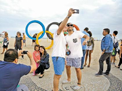 Основное развлечение гостей Бразилии – прогулки по знаменитому пляжу Копакабана // Русский взгляд