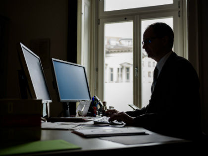 «Найти способ перехвата и расшифровки можно, но есть и большая вероятность того, что все труды окажутся напрасны...» // Global Look Press
