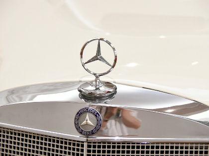 На выгоду производителя смогут повлиять и преференции, о которых Daimler сейчас договаривается с Минпромторгом // Global Look Press