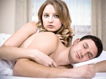 О хронической бессоннице, требующей помощи врача, можно говорить, если нарушения сна человек отмечает периодически в течение 3 месяцев или постоянно в течение месяца // Global Look Press