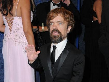 Звезда сериала «Игра престолов» Питер Динклейдж на 68-й церемонии вручения премии «Эмми» // Global Look Press
