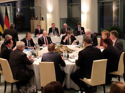 Президента РФ, несмотря на новый виток сирийского кризиса и всяческие трудности перевода, всё равно приглашают в Старую Европу для обсуждения ключевых вопросов // Global Look Press