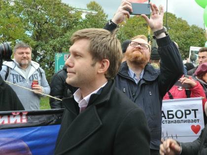 Корчевников с Милоновым на митинге против абортов // Global Look Press
