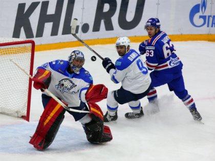 Президент КХЛ Дмитрий Чернышенко объявил, что количество команд может быть сокращено // Global Look Press