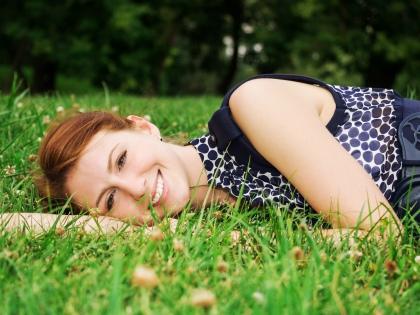 Свежий опрос ВЦИОМа показал, что большинство граждан (84%) ощущают себя счастливыми // Global Look Press