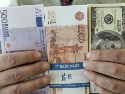 Тем, кто привык к вкладам в банках, можно в принципе нести сбережения туда // Global Look Press