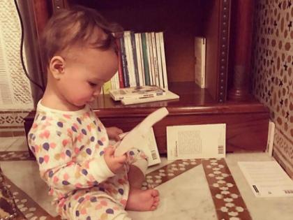 Заучивание стихов наизусть формирует у ребенка специфический, его личный алгоритм запоминания // Global Look Press