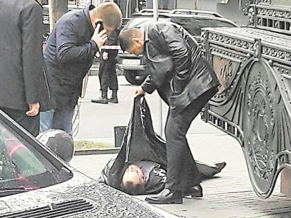 В Вороненкова убийца выстрелил 4 раза: в живот, шею и голову // Global Look Press