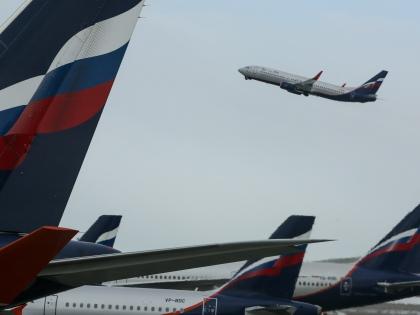 Борт самолета – пространство замкнутое, поэтому к поведению пассажиров здесь предъявляются повышенные требования // Global Look Press
