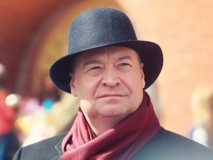 Экс-губернатор Маркелов любил не только особняки, но и полотна Рафаэля // Global Look Press