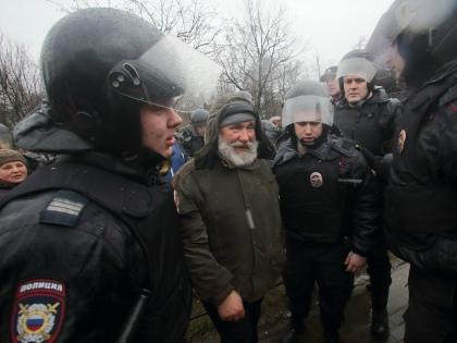 Действия полицейских «априори считаются правомерными». Так ли это на самом деле? // Global Look Press